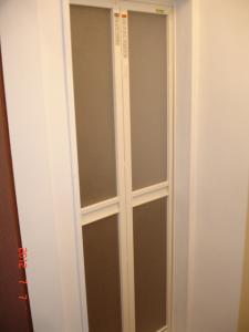 トステム 浴室中折れドアSF型