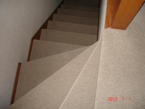 階段のカーペット