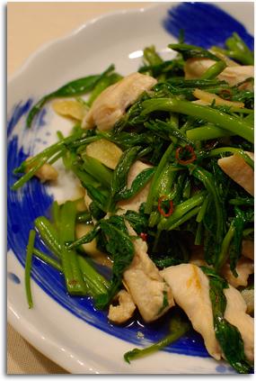 空芯菜と胸肉の炒め物