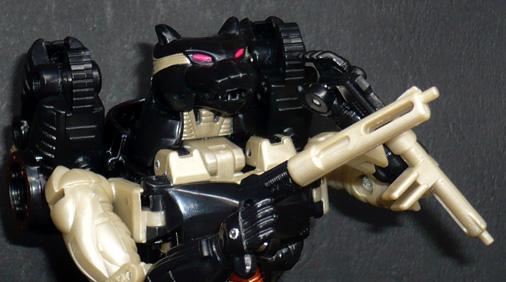デストロン 諜報破壊兵 メタルスジャガー ロボットモード