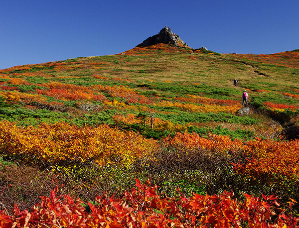 三ツ石山と紅葉