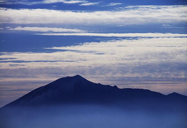 七時雨山山頂から岩手山