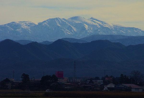 加賀市内から白山