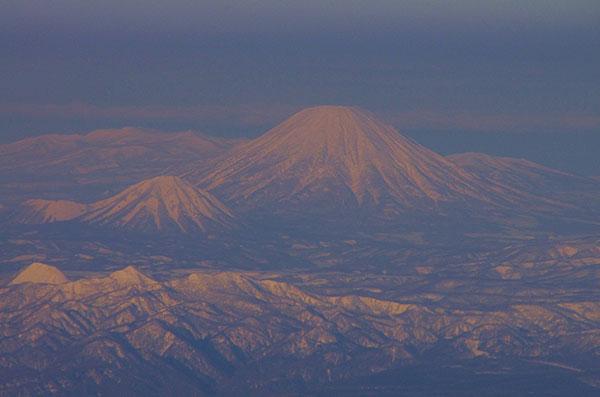 室蘭沖上空から後方羊蹄山