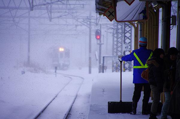 花巻駅除雪風景