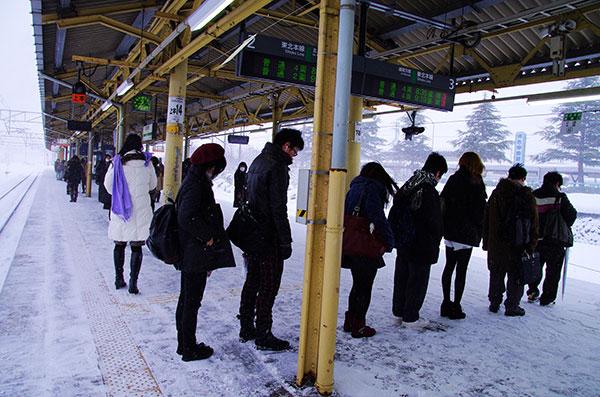 花巻駅の整列乗車