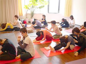 京都ヨガ 簡単ヨガ(基本のハタヨガ)指導者養成コース