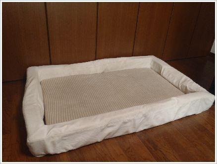 寝室のベル用ベッド