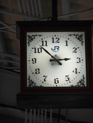 ホームの時計