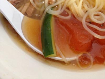 冷麺のアップ3