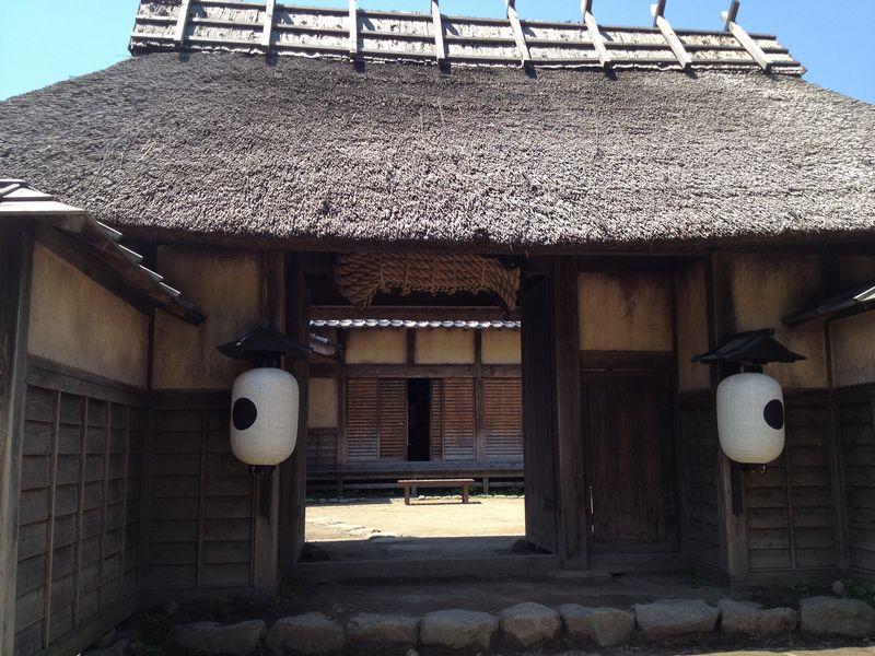 商家屋敷の門