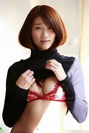 TWO-No-831-833-Mikie-Hara.jpg