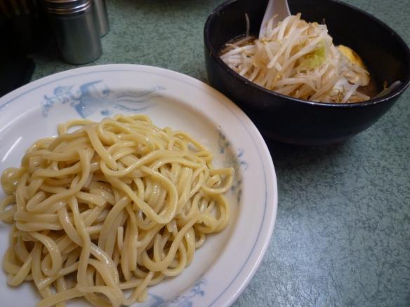 12年7月22日 新宿小滝橋通り つけ麺 麺少な目 ヤサイニンニク辛味噌