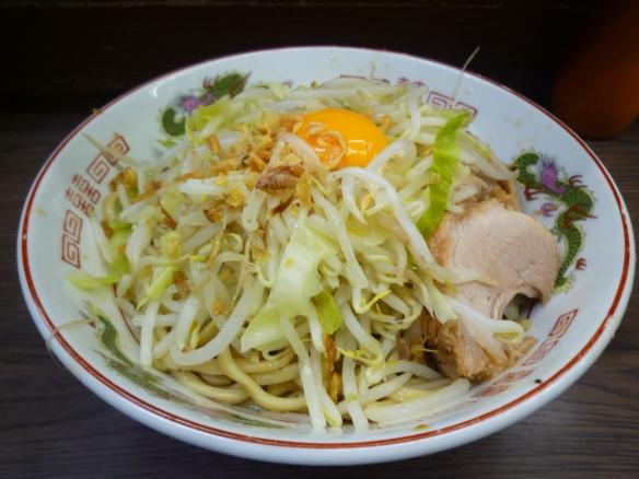 12年8月12日 関内 小ラーメン 汁なし 麺少な目 ヤサイニンニク