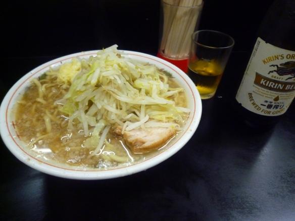 12年8月18日 鶴見 小ヤサイニンニク ビール