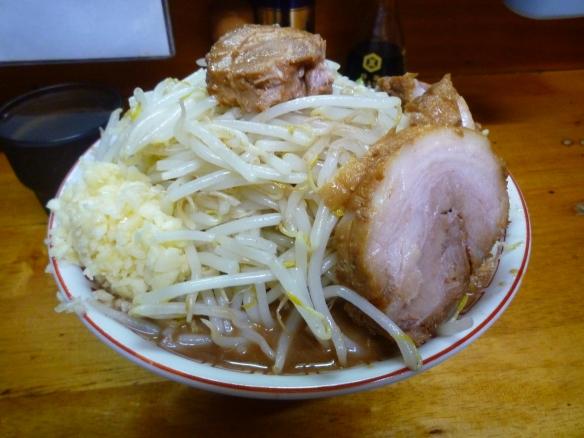 12年10月2日 豚親分 小ラーメンニンニク うどん麺