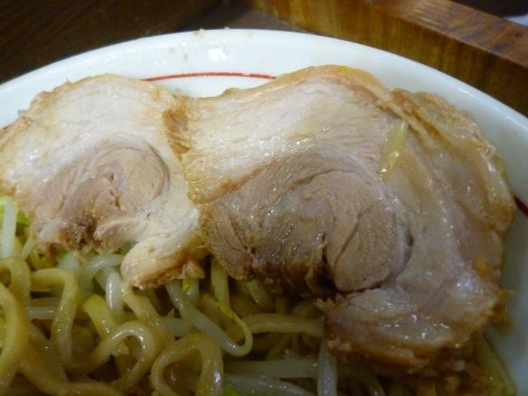 12年11月24日 横浜関内 豚