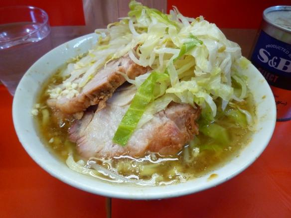 12年12月8日 三田本店 小ラーメン 麺少な目 ヤサイニンニク