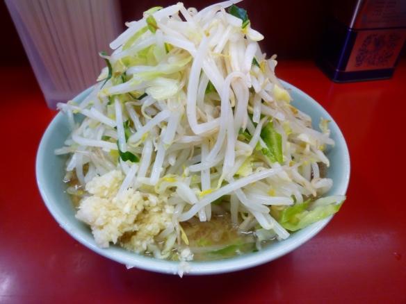 12年12月9日 中山 小ラーメン 麺少な目 ヤサイニンニク