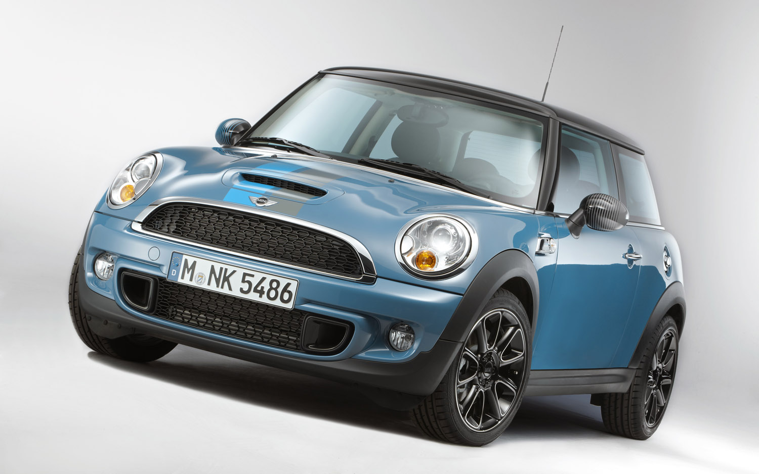 2012-Mini-Cooper-S-Bayswater-front-three-quarter.jpg