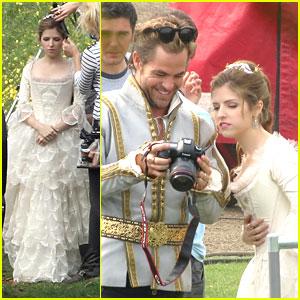 anna-kendrick-cinderella-into-woods-chris.jpg