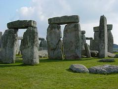 250px-Stonehenge_Closeup.jpg