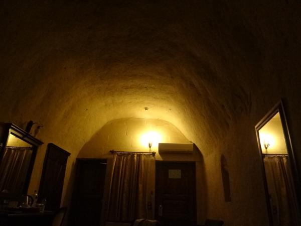 洞窟ホテル1