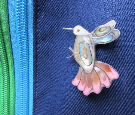 ハチドリのブローチ