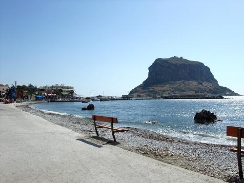 モネムヴァシア_新市街の海辺 (1)