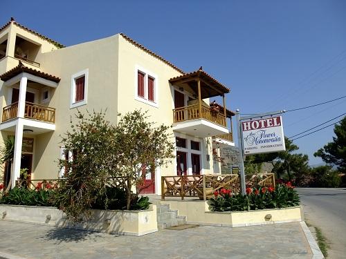 モネムヴァシア_「Flower Hotel」