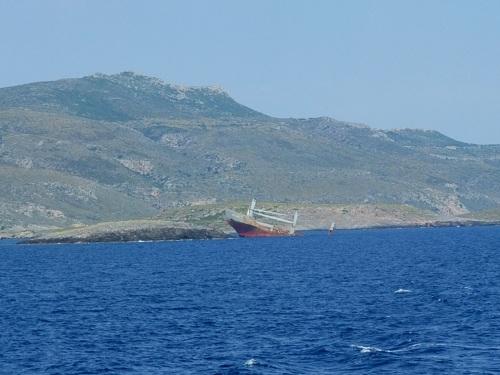 キティラからアンディキティラへの海で
