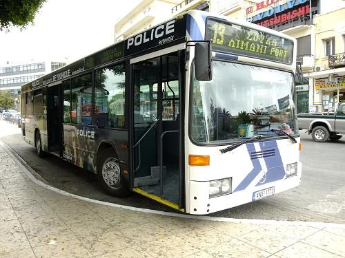 ハニア_港行きバス