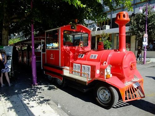 アテネ_市内を回る観光バス (2)