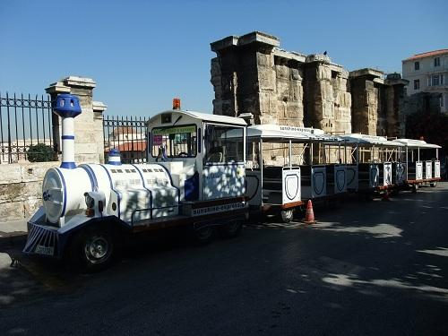 アテネ_市内を回る観光バス (3)