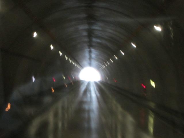 玉川温泉へと続くトンネル