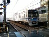 京急穴守稲荷駅 通過する北総7300系快特