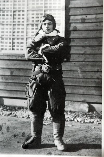 良司の航空隊の服装