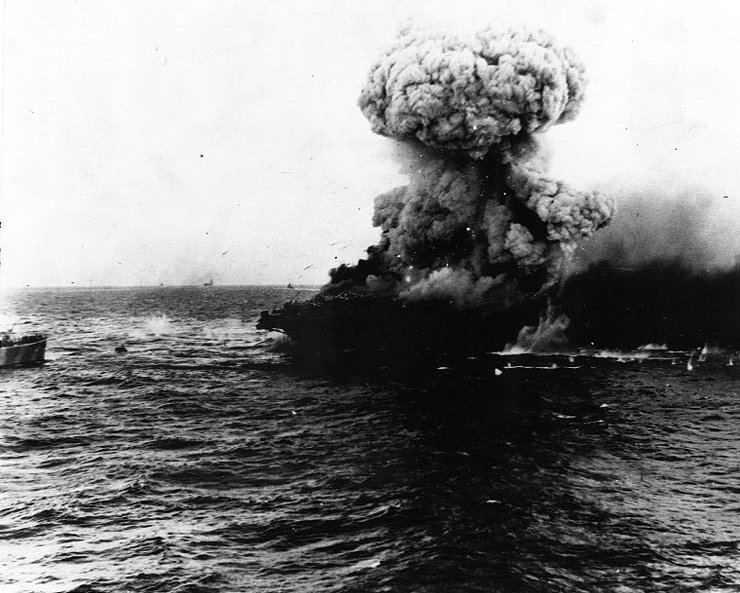 Large_explosion_aboard_USS_Lexington_28CV-2292C_8_may_1942.jpg