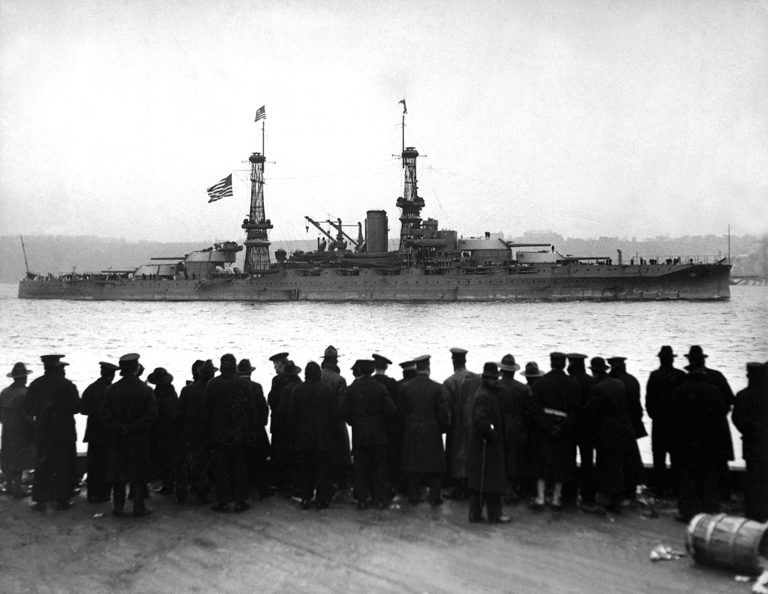 USS_Arizona_(BB-39)_1918.jpg