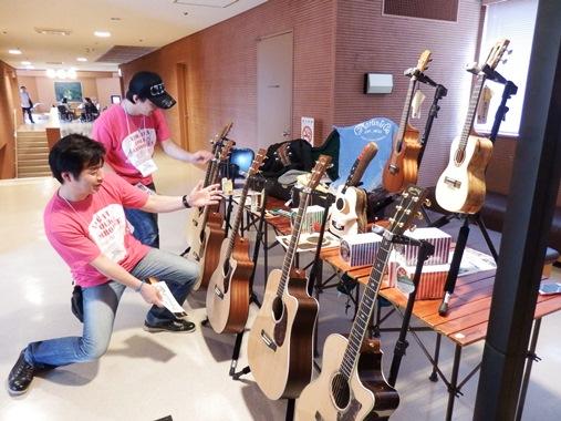 20130908-112ギター好きのおじさん