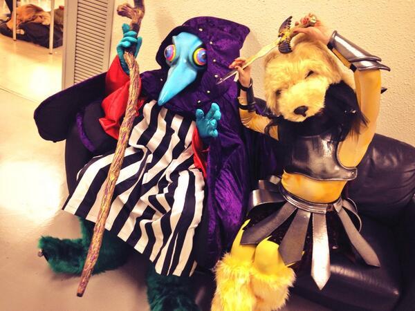ちなみに左がジュモーヌ 楽屋では動物の騎士団と仲良し