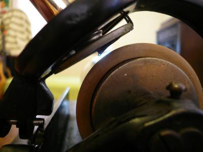 録音用のダイアモンド針とロウ管