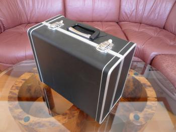 ポータブルのレコードカッティングマシン