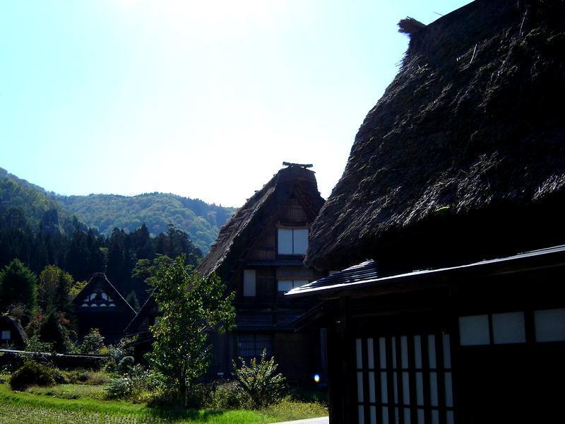 世界遺産白川郷荻町合掌集落を観光散策~紅葉を眺めながら温泉で湯ったり満喫 C