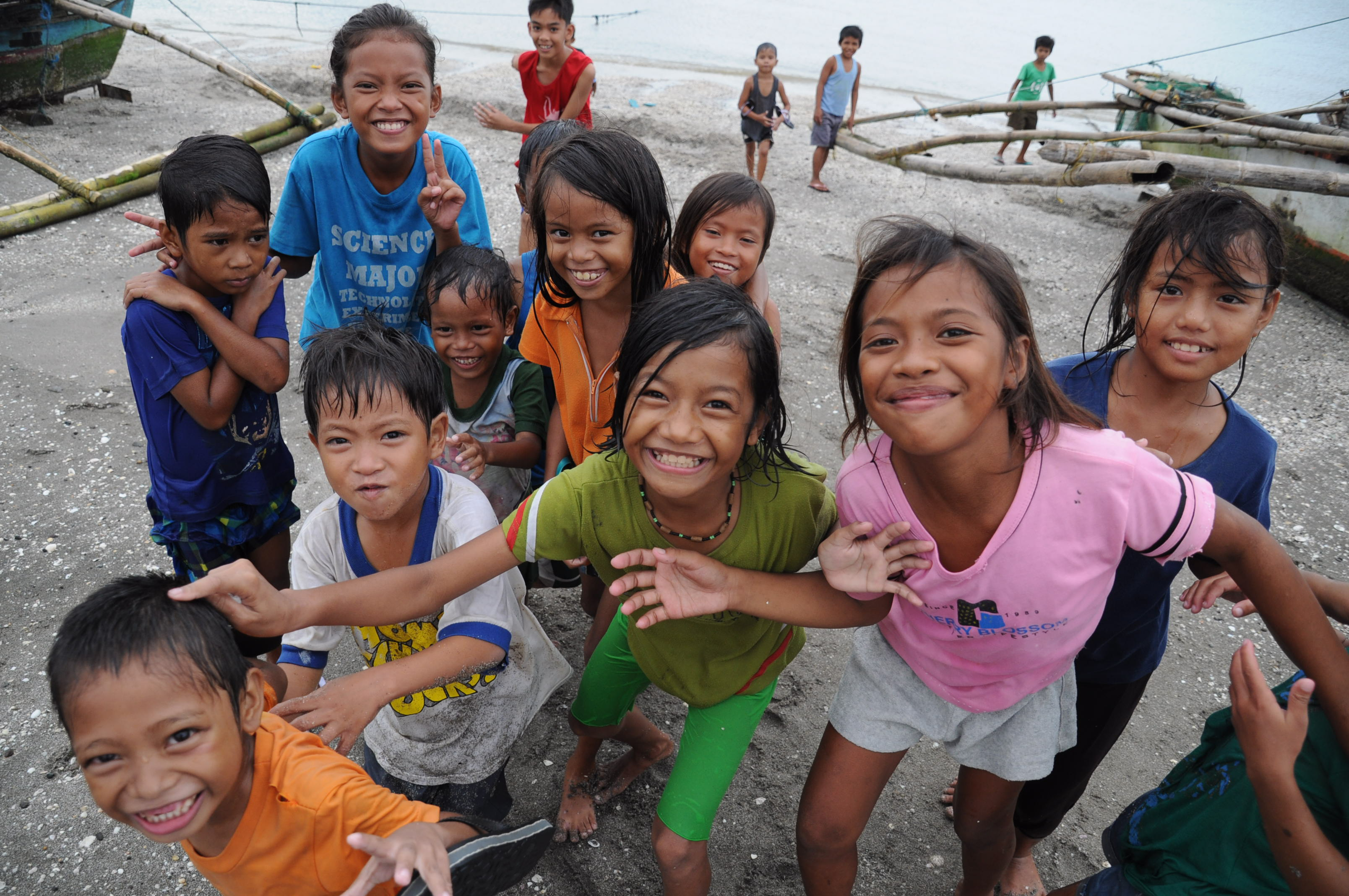 海辺の子どもたち