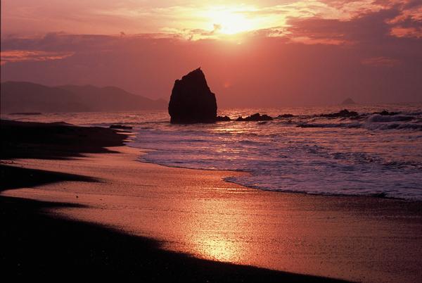 【海岸からの夕日】1 持石海岸