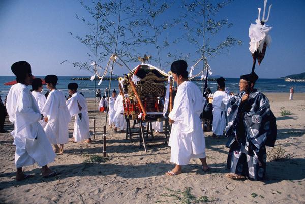 【伝統の神事】津田海岸の祭り