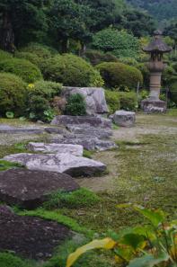 峰寺庭園の手水鉢