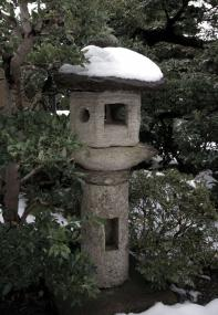明々庵の灯籠