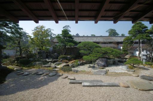 松江歴史館のお庭(現代)